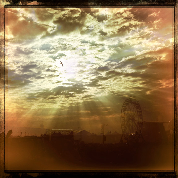 hipstamatic iphone sunset bird clouds festival dmb caravan