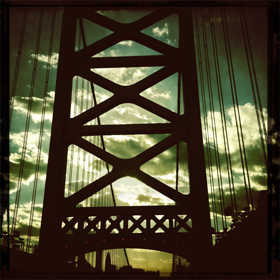 ben franklin bridge philadelphia skyline hipstamatic iphone