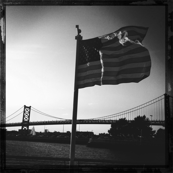 flag, ben franklin bridge, kaplan, hipstamatic